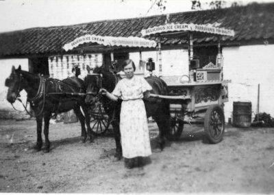 PONIES__CARTS_DULLS_FARM_1935-comp